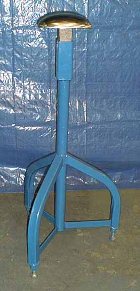 Fifield fabrication forming head stand for Fabrication stand